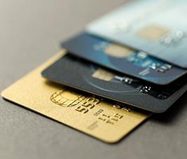 Comment obtenir et renouveler sa carte bancaire ?