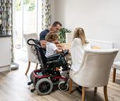Handicap : s'équiper d'un fauteuil roulant électrique